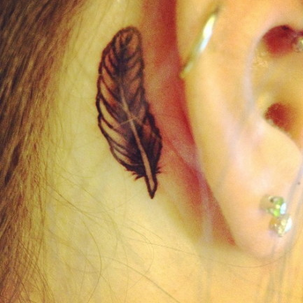 Feather tattoo pictures archives tattoou for Small behind the ear tattoos for girls